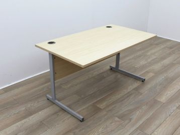 Used 1400mm Maple Cantilever Desks