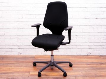 Superb Remanufactured Giroflex 'G64' chairs
