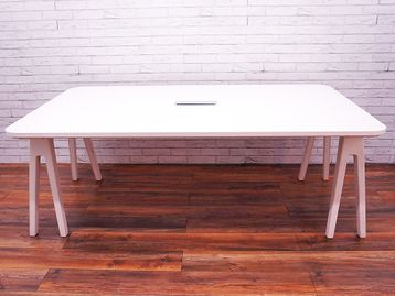 Vitra Joyn Used 6 Person Desk/Table
