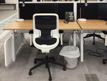 Used 1400mm Mobili Back to Back Electric Height Adjustable Sit Stand Desks
