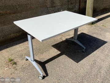 Used 1200mm White Flip Top Folding Tables