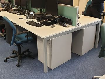 Used 1400mm Elite White Bench Desks