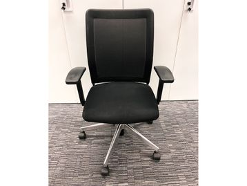 Used Wiesner Hager Paro Plus Mesh Back Office Operator chair with polished base
