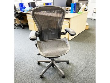 Used Herman Miller Aeron Chairs Size B in Graphite