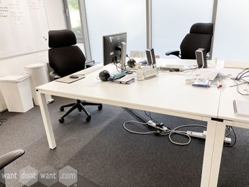 5 x Used free-standing back-to-back desks (10 positions) 1600mm x 1600mm
