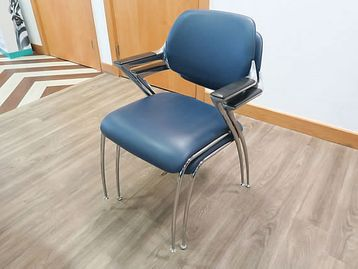 Modern Brunner 'Golf' stacking meeting chairs with blue vinyl seat and back