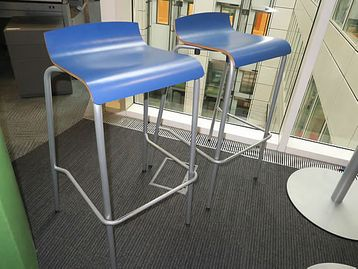 Frovi high stools with sliver frame and foot rest