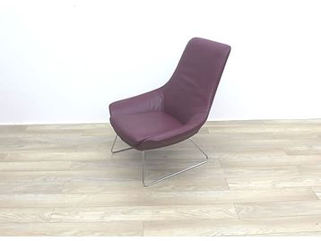 Rare opportunity to purchase these Walter Knoll 'Flow' chairs in burgundy leather