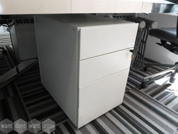 Under-desk 3-drawer pedestals with 2 x shallow drawers and 1 x filing drawer.