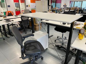 Used 1400mm White Electric Sit Stand Height Adjustable Desks with Linak Motors & Black Frame