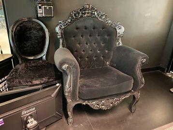 Used Detailed 'Throne style' Arm Chair
